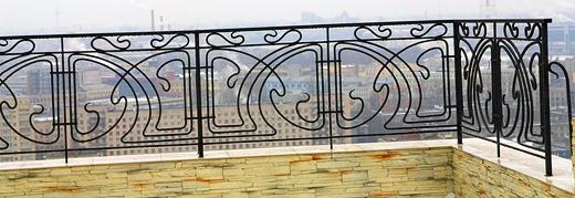 kovanyy-balkon